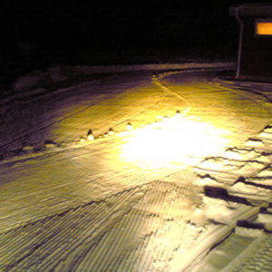 Sladden provades intensivt första kvällen i den snö som fanns att tillgå.