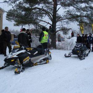 Motorbolaget med sina fina ski-doo maskiner