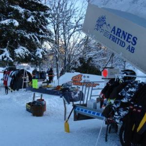 4säsonger hade med sig nya fina Ski-doo maskiner och hade dessutom försäljning av diverse tillbehör.