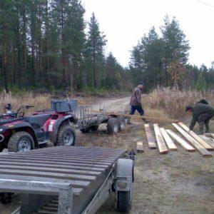 Peter och Stefan förbereder för brobygget